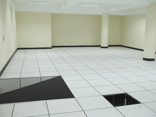 HPL finished access floor